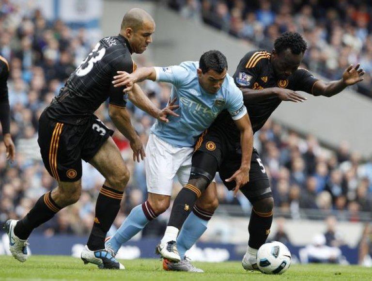 """""""Manchester City"""" pergalę prieš """"Chelsea"""" lėmė vienintelis taiklus C.Tevezo (c.) smūgis"""