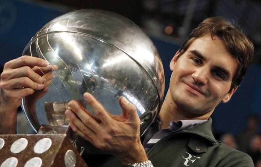 Šis ATP trofėjus R.Federerio kolekcijoje – jau 64-asis