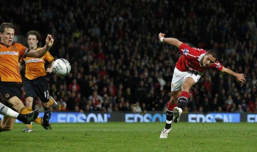 "Pergalingą įvartį ""Manchester United"" pelnė J.Hernandezas"