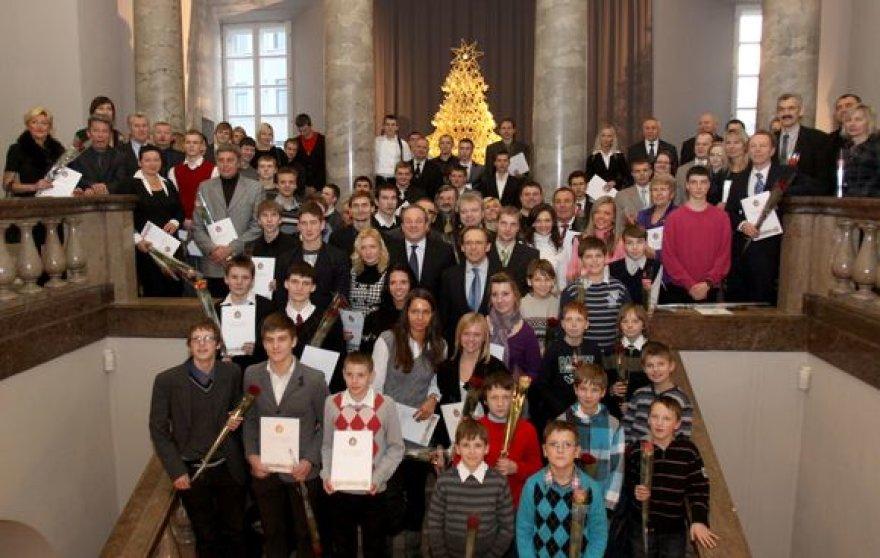 Padėkos raštai buvo įtaikti apie 200 Vilniaus vardą garsinantiems sportininkams.
