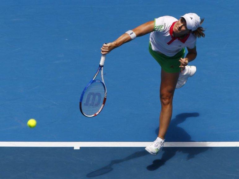 Justine Henin antrą kartą baigė tenisininkės karjerą.