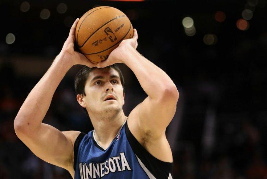 """Darko Miličičius keitė NBA lygos komandas lyg kojines, kol įsitvirtino """"Timberwolves"""" ekipoje."""