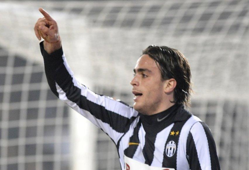 """Pergalingą įvartį """"Juventus"""" pelnė naujokas A.Marti."""