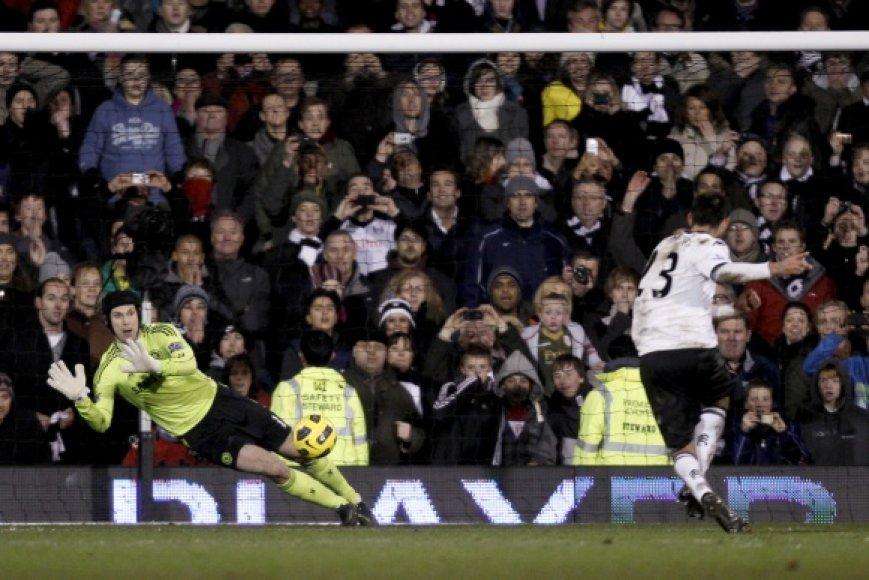 """Mačo didvyriu """"Chelsea"""" ekipoje tapo Petras Cechas, atrėmęs C.Dempsey smūgį iš 11 m baudinio."""