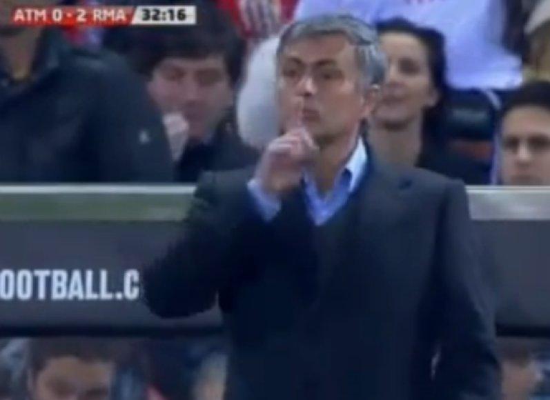 Jose Mourinho gestas C.Ronaldo.