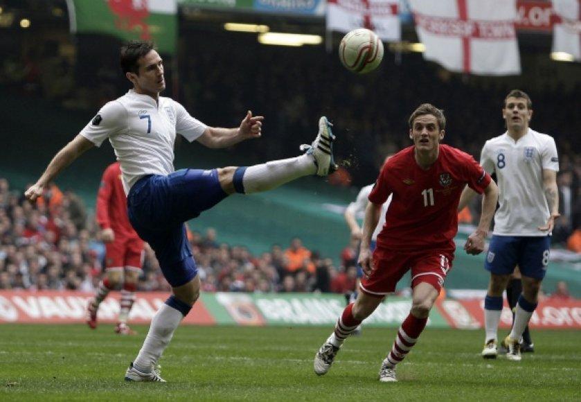 Vieną įvartį anglams pelnė Frankas Lampardas.