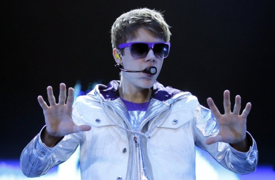 "Justinas Bieberis tikina esąs ""Barcelona"" futbolo komandos sirgalius"