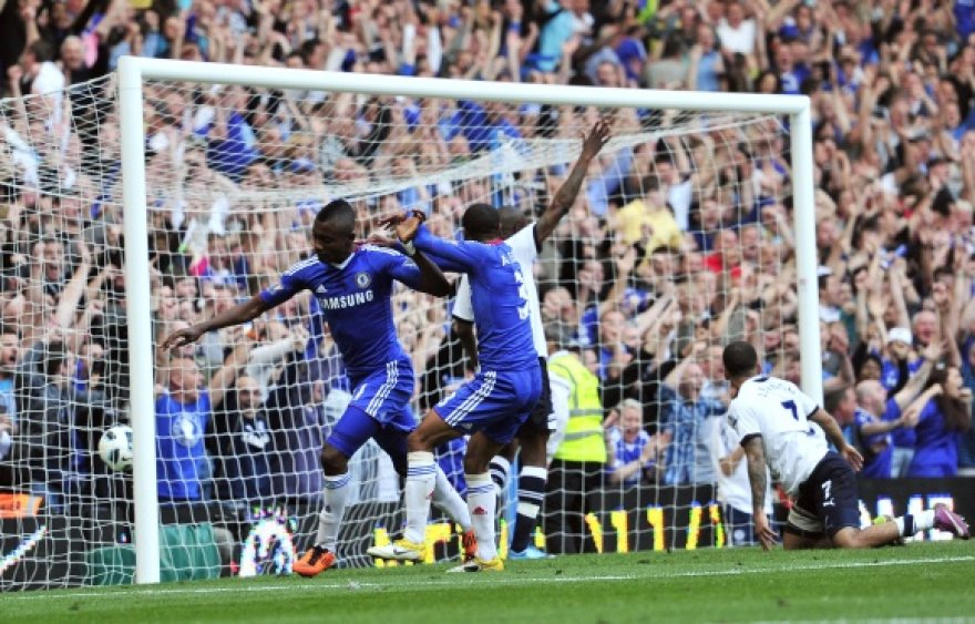"""Nepaisant visų """"Tottenham"""" futbolininkų protestų, pergalę iškovojo """"Chelsea""""."""