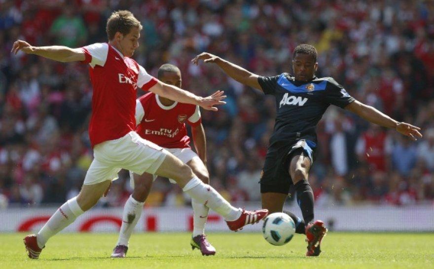 """Vienintelį įvartį sekmadienį pelnė """"Arsenal"""" saugas Aaronas Ramsey (kairėje)."""