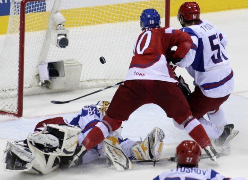 Čekai (raudona apranga) į rusų vartus įmušė net 7 įvarčius.