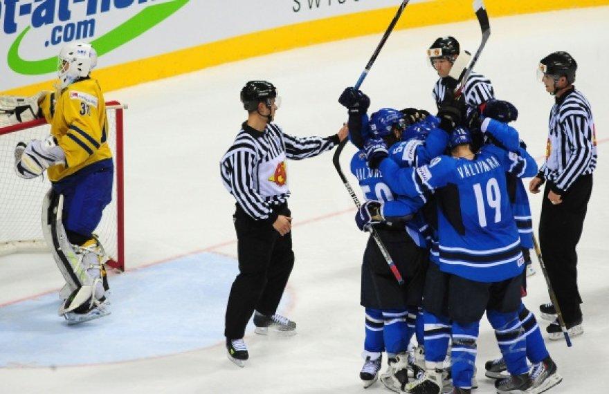 Suomijos ledo ritulininkų triumfas.