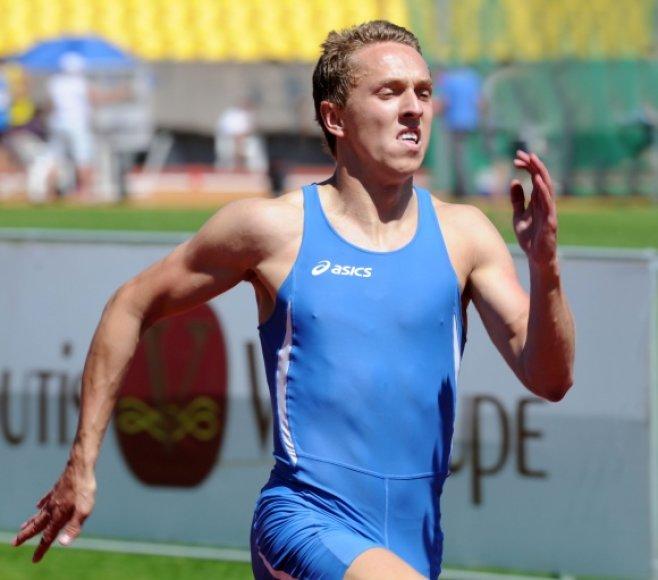 Lietuvos aštuoniolikmečių rekordą pagerino sprinteris Kostas Skrabulis.