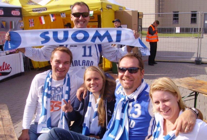 Į Alytų iš viso atvyko apie 80 Suomijos rinktinės sirgalių..jpg