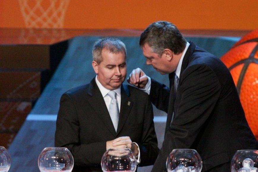 Ukrainos krepšinio federacijos prezidentas Aleksandras Volkovas (dešinėje).