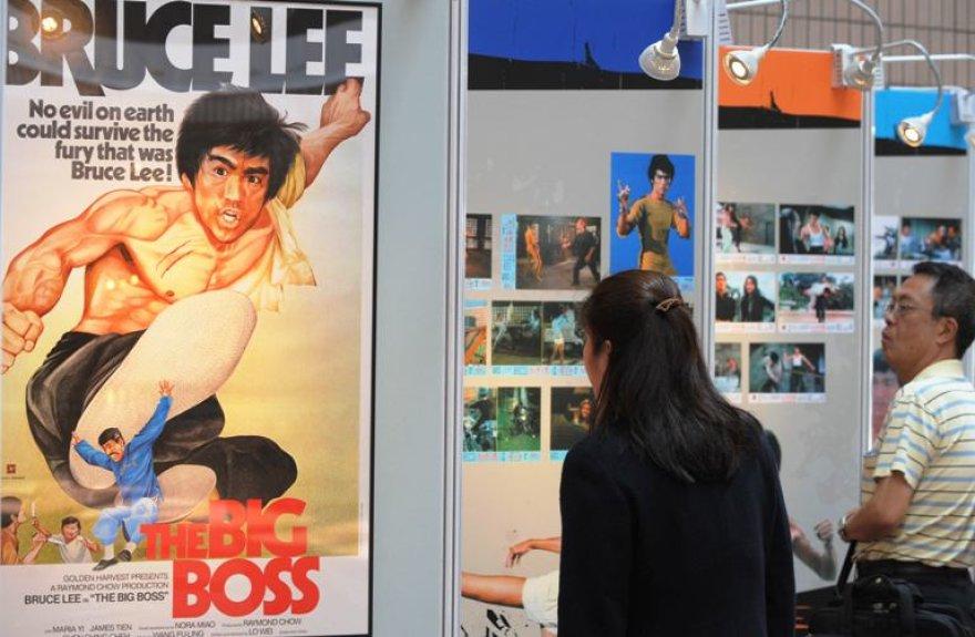 Plakatas, reklamuojantis filmą su Bruce'u Lee