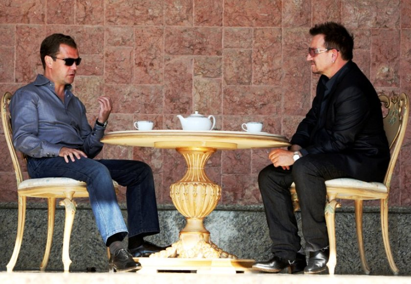 Dmitrijus Medvedevas ir Bono Sočyje