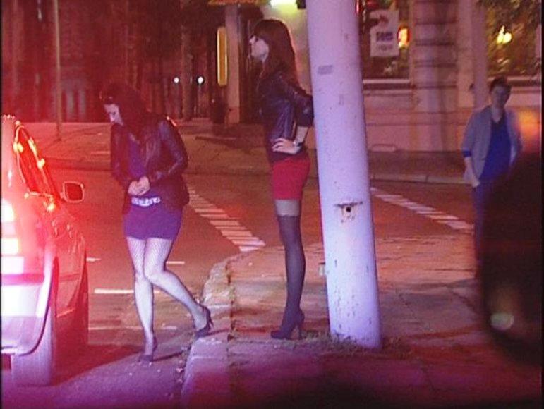 Prostitutėmis apsimetusios žurnalistės