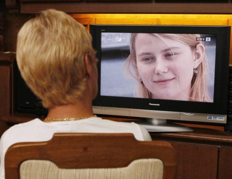 IPTV leidžia analizuoti tik vieno namų ūkio žiūrimumą. Jei bute gyvena vaikas, mama ir močiutė, neįmanoma nustatyti, kuris jų tuo metu žiūri televizorių.