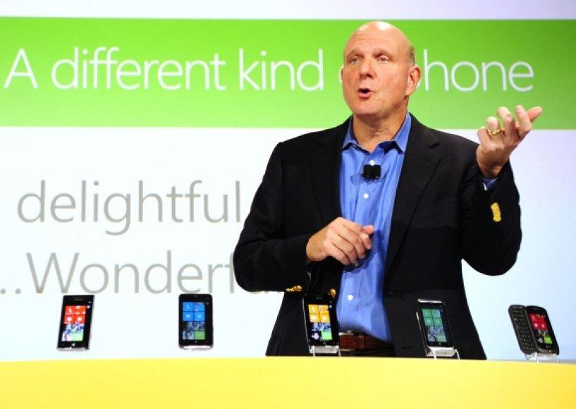 """""""Microsoft"""" vadovas Steve'as Ballmeris."""