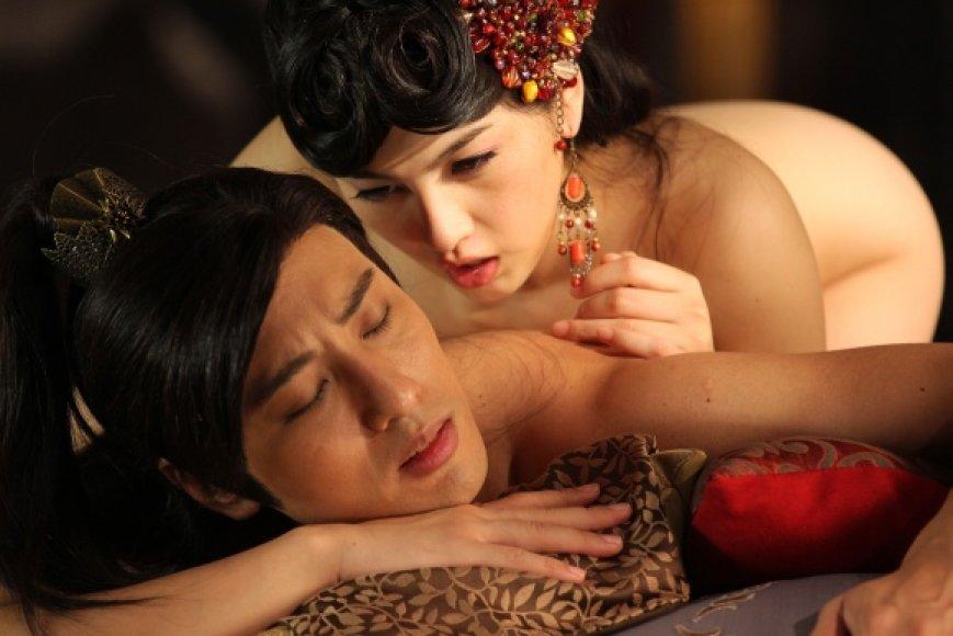 """Erotinės komedijos """"Sex and Zen: Extreme Ecstasy"""" filmavimo akimirka."""