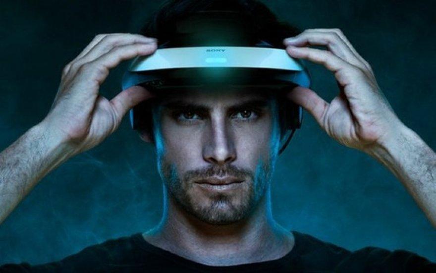"""Kompanija """"Sony"""" pristatė """"elektroninius akinius"""", kurie leidžia trimačius vaizdus žiūrėti individualiai."""