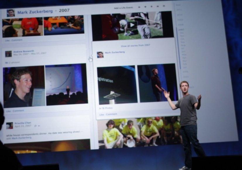 """Naują paslaugą """"Timeline"""" pristatė """"Facebook"""" generalinis direktorius Markas Zuckerbergas."""