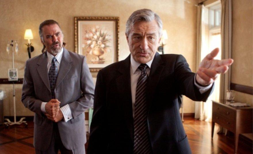 """Filme """"Mačetė"""" Robertas De Niro – JAV senatorius"""