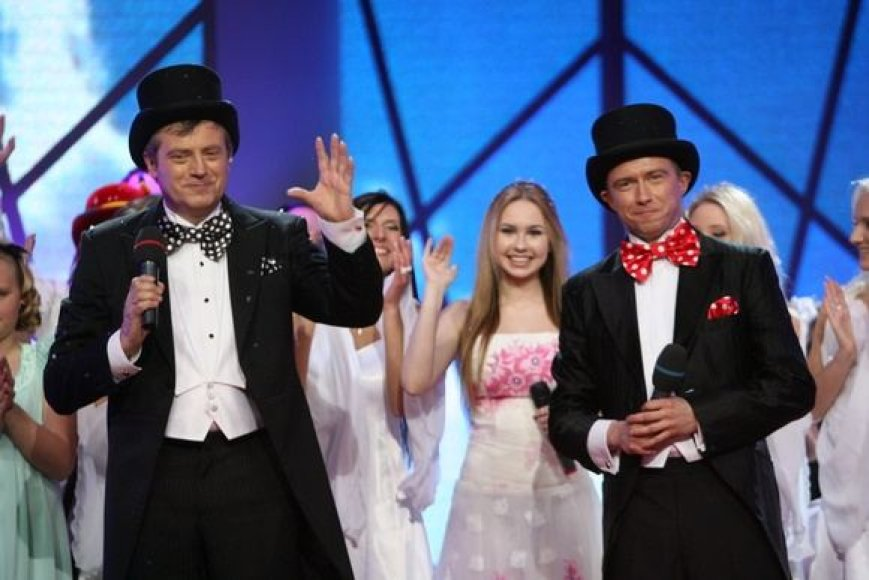 """LNK projekto ,Šeimos diena"""" vedėjais tapo aktorius Robertas ir Marius Jampolskiai."""
