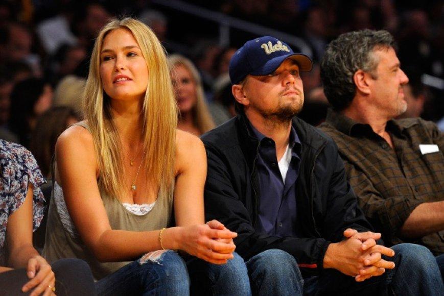Leonardo DiCaprio ir Bar Refaeli artimai draugavo ne vienerius metus.
