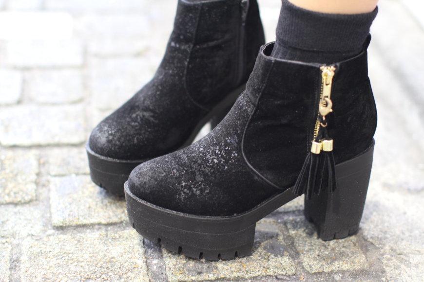 Vida Press nuotr./Tokijo mados savaitės stileivos batai