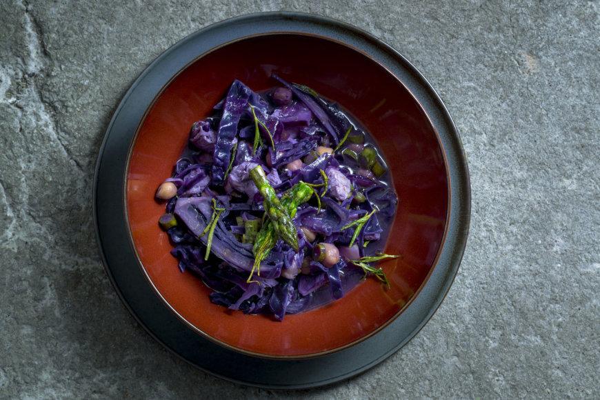 Mėlynojo kopūsto sriuba  su vištiena ir avinžirniais