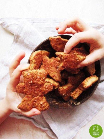 """""""Sviestiniai"""" sausainiai su cinamonu"""