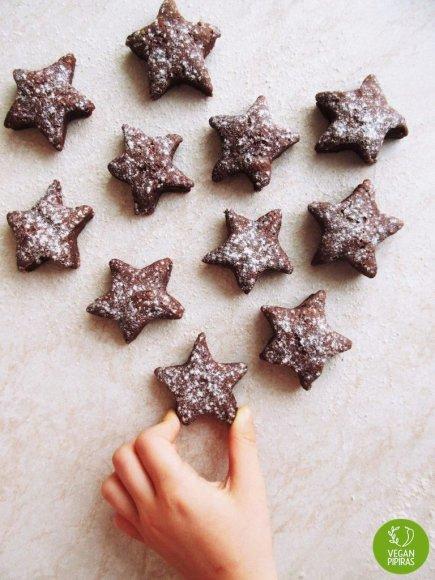 Kakaviniai speltų miltų sausainiai