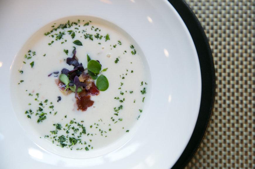 Žiedinių kopūstų sriuba su gorgonzola