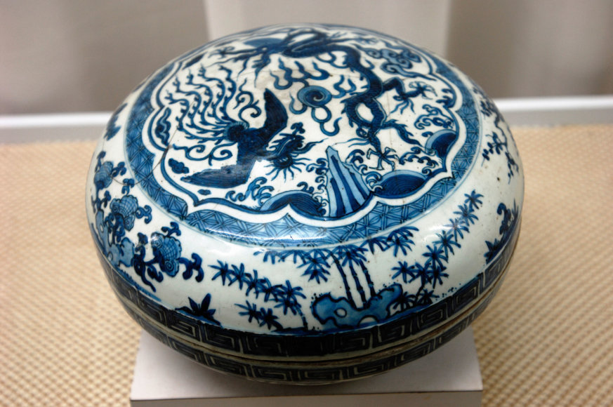 Vida Press nuotr./Kiniška porceliano dėžutė