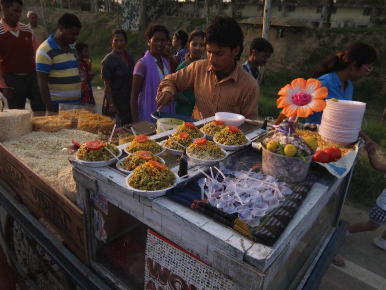 """""""Travel Planet"""" nuotr./Indijoje gatvėje parduodamas maistas"""