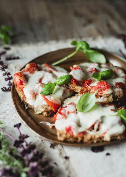 Sumuštinukai su mocarela ir pomidorais