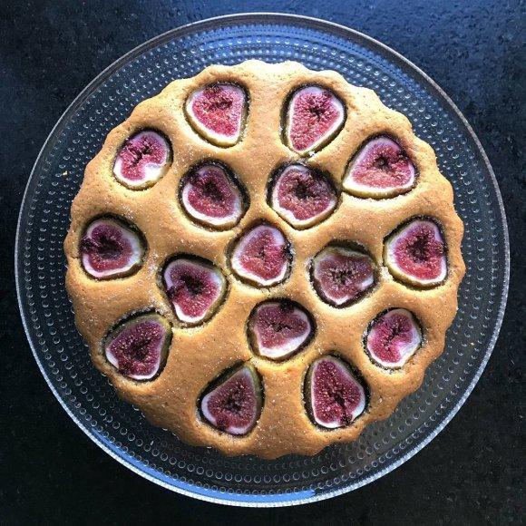 Migdolinis pyragas su figomis