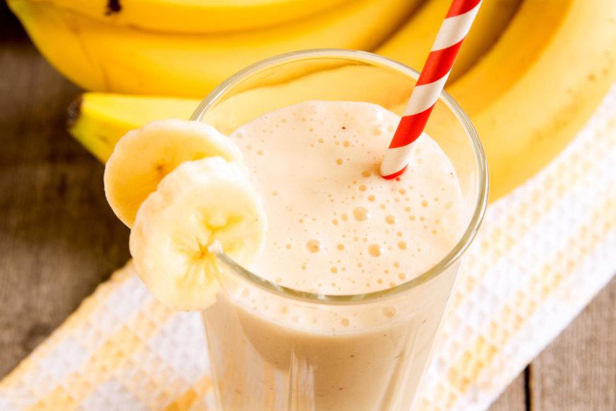 Bananinis kokteilis