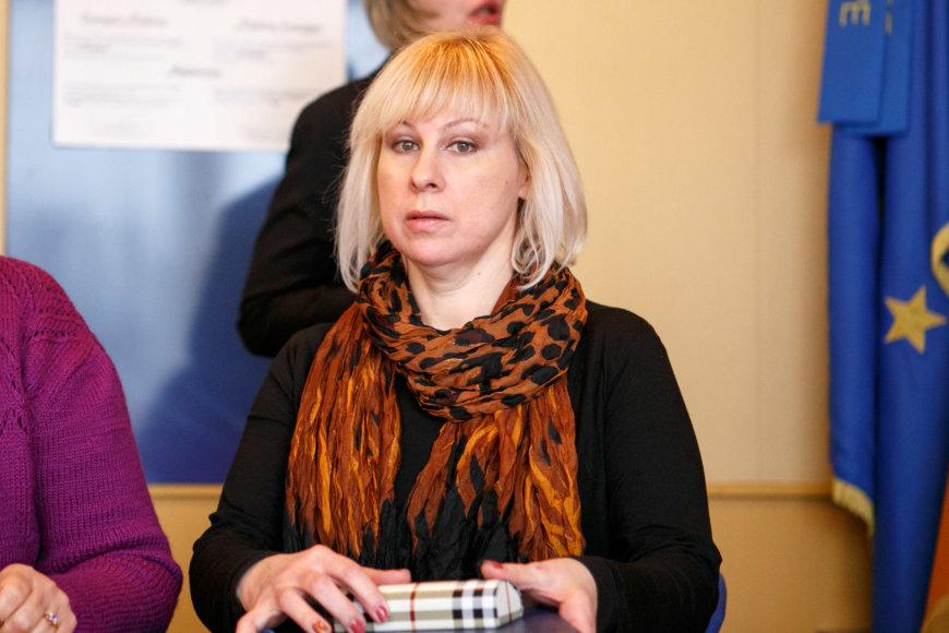 Eriko Ovčarenko/15min.lt nuotr./Socialinė darbuotoja su rizikos šeimomis Violeta Tamulienė
