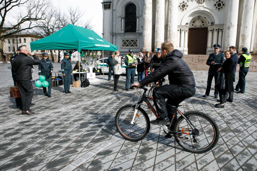 """Eriko Ovčarenko / 15min nuotr./Akcija """"Atsakingas dviratininkas"""""""