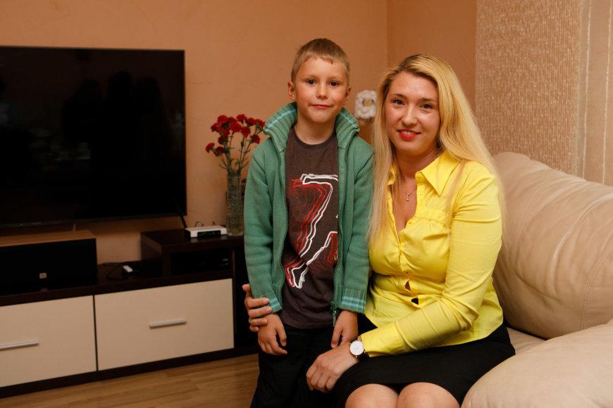 Eriko Ovčarenko / 15min nuotr./Austis Juozaitis su mama Irmina