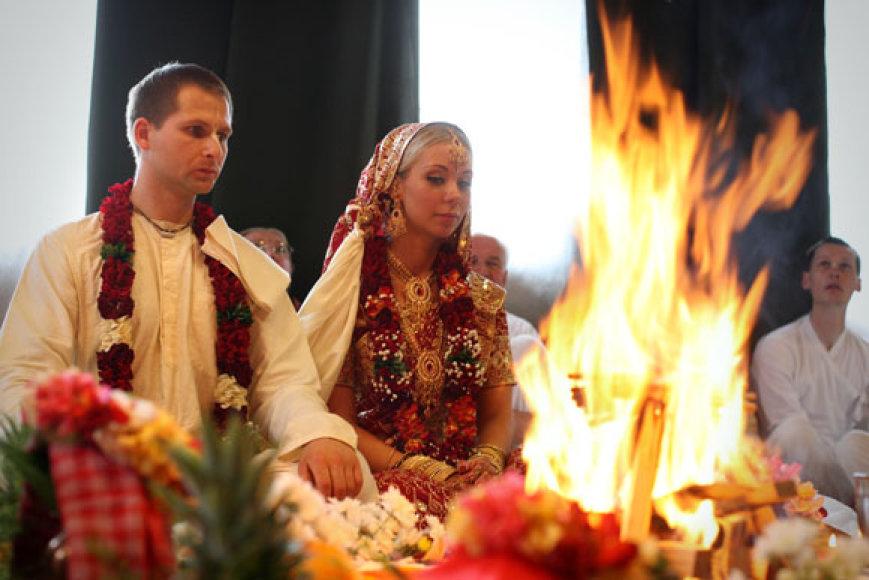 Vestuvių akmirka