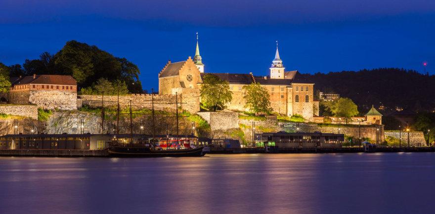 123rf.com /Akershus tvirtovė naktį