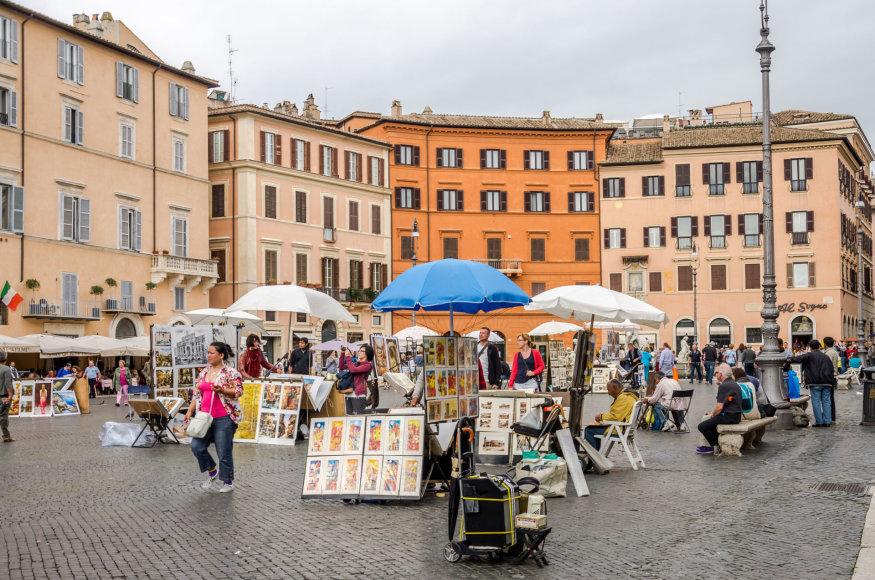 123rf.com nuotr./Piazza Navona Romoje paprastai būna pilna ir turistų, ir vietinių