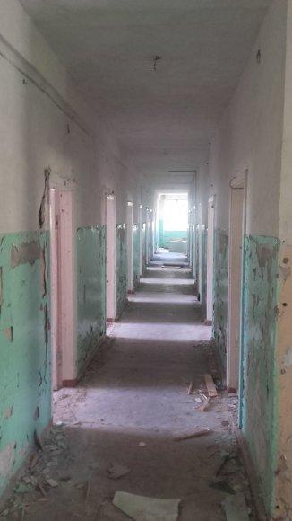 Vaido Mikaičio nuotr./Buvusios ligoninės koridorius