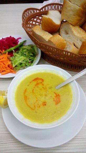 """Autorės nuotr./""""Mercemek"""" – tradicinė lęšių sriuba"""