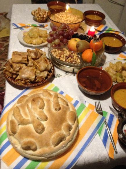 Autorės nuotr./Tradicinis bulgariškų Kūčių vakarienės stalas