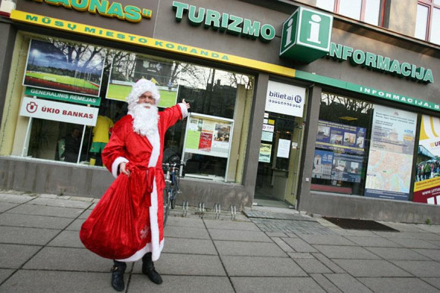 Kalėdiniame informacijos centre laukiami visi, kuriems rūpi šventiniai rengniai ir dovanos.