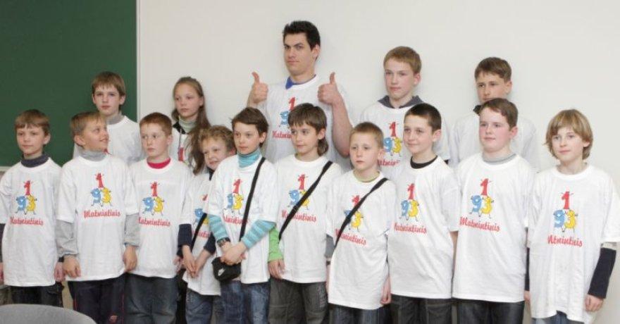 Šių metų konkurso finalo dalyvius aplankė humoristas Justinas Jankevičius